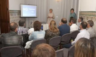 La clínica del IVI de Xàtiva se llena de profesionales en su primera apertura de puertas