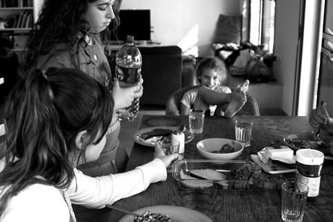 Around the table 17- Brekfest after pija