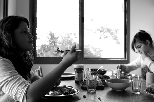 Around the table 18- Brekfest after pija