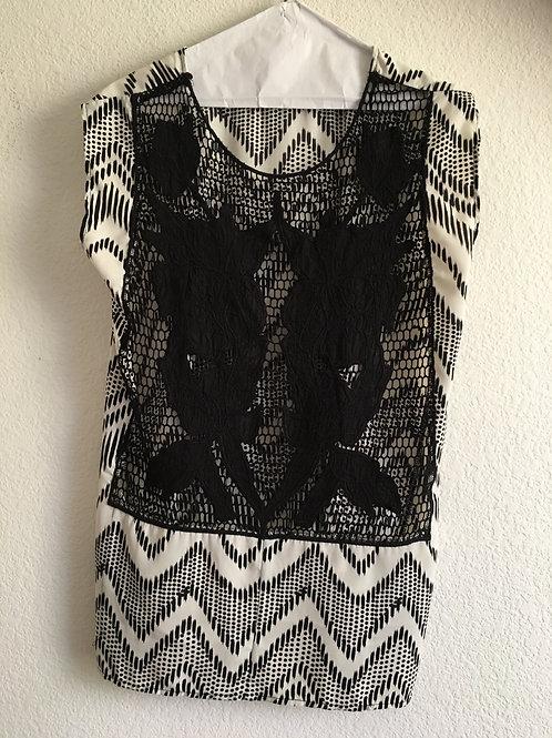 Black & White Shirt - Size Medium