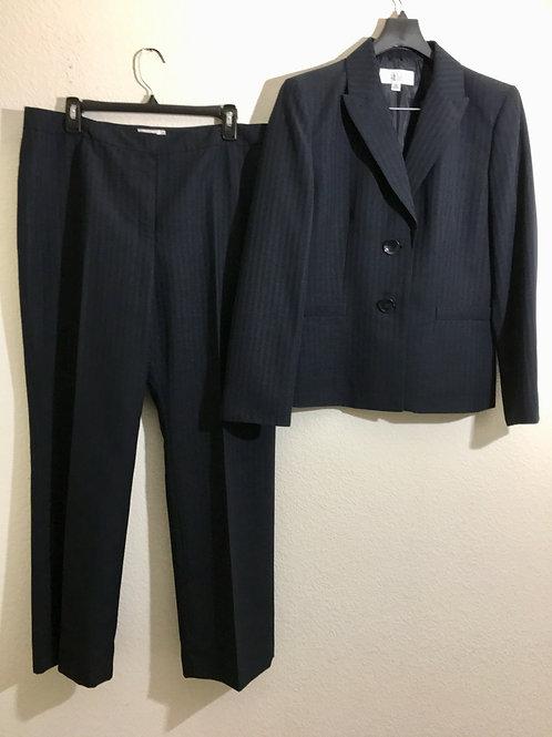 Le Suit  Petite Suite - Size 14P