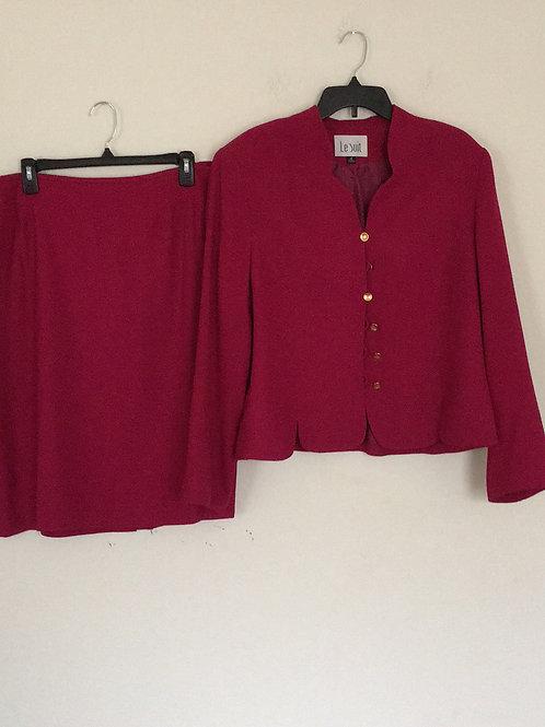 Le Suit Pink Suit - Size 18