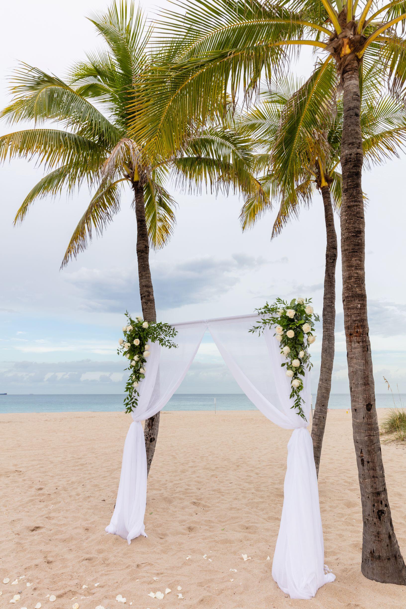 florida-beach-wedding-arch