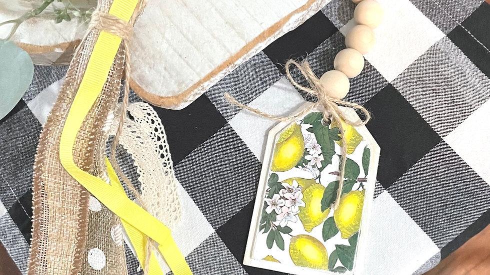 Lemon Tag wood Bead Garland