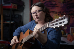 inge-cours-musique-lannemezan-65-guitare-violon-mandoline-web (1)