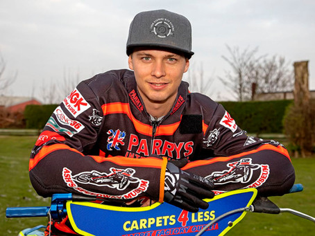 """Wolves Take On Premiership Leaders """"Dad's Army"""" @ Monmore In Play Off Semi Final."""