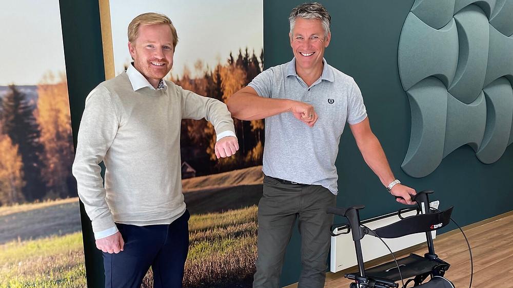Halvor Wold, CEO Assitech og Asbjørn Eskild, CEO Topro hilser