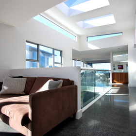 Square set ceiling and wall joins