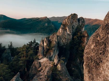 Súľovské skaly a Manínska tiesňava: Zaži výnimočný východ a západ slnka na horách