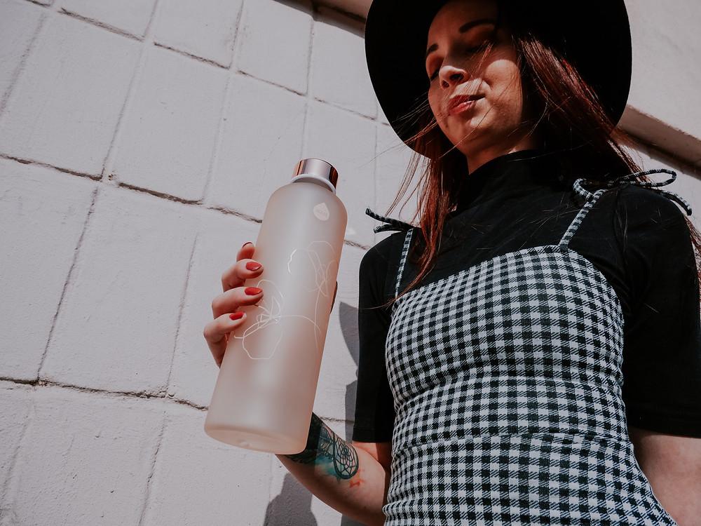 Sklenená fľaša na vodu Equa