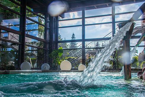 Wasser-Massage-Strahl in der Albtherme-Waldbronn im Erlbenisbecken
