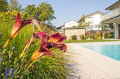 Brucker_Landschaftsbau_Poolbau_Blumen_Pool
