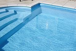 Brucker_Landschaftsbau_Poolbau_Pool_Treppe_Eingang