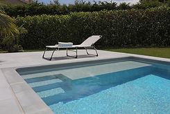 Brucker_Landschaftsbau_Poolbau_Pool_Wasser_Treppe