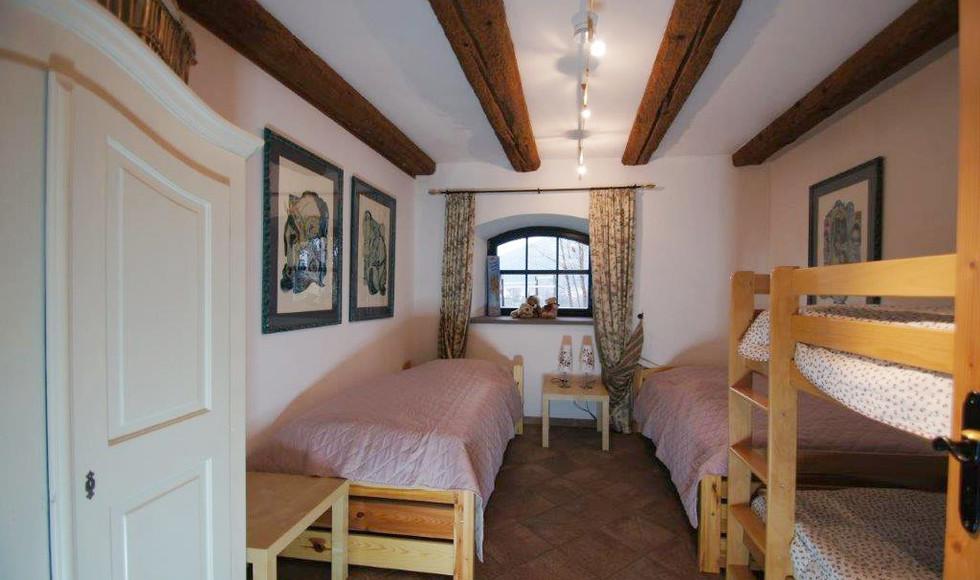 Kinderzimmer Haupthaus DSC01464.jpg