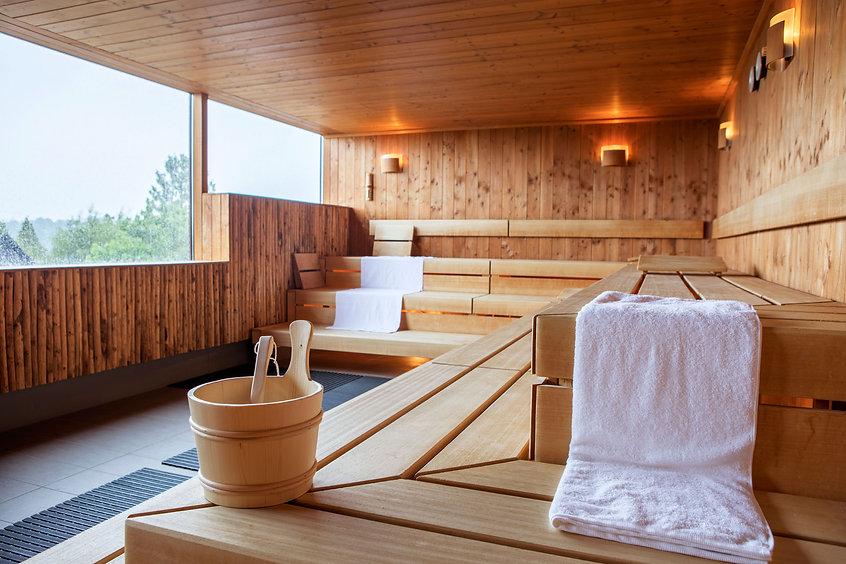 Panorama-Sauna in der Albtherme-Waldbronn. Die Genießer Quelle