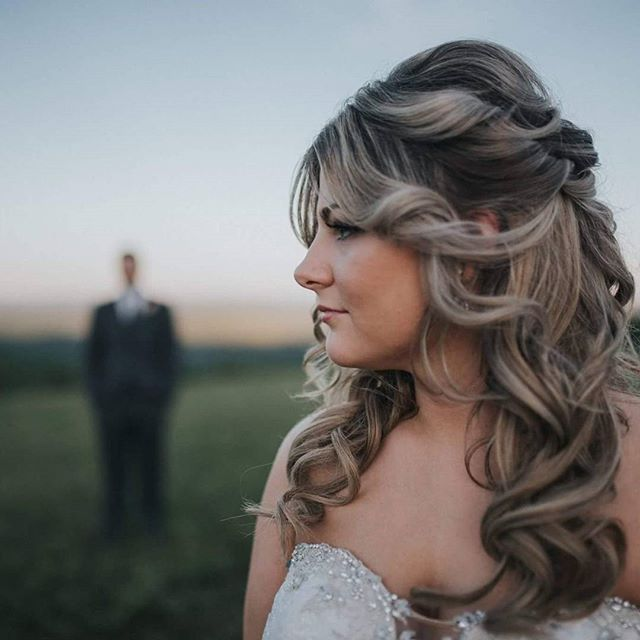 One of my beautiful brides!!! She looks stunning in this pic!! 💍💞Hair by_lynnshaeHair_Makeup_ nata