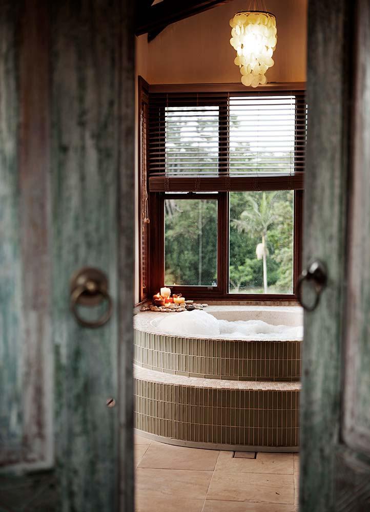 HOUSE-Candlelit-Bath-1.jpg