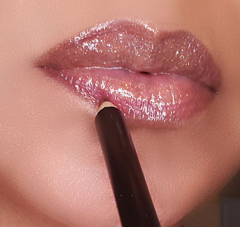 Alluring Faces Lip Liner.jpg