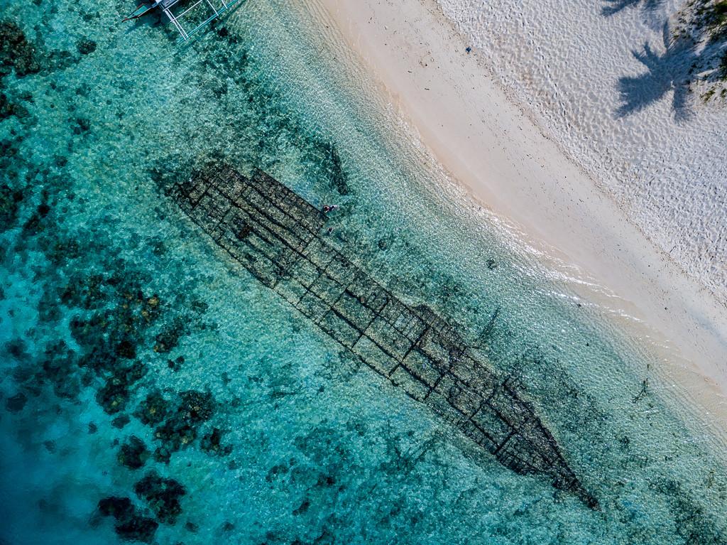 Coron Shipwreck.jpg