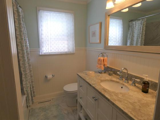Meet our Contemporary Bathroom!