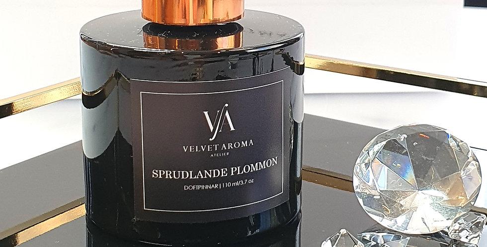 """DOFTPINNAR """"SPRUDLANDE PLOMMON"""", 110 ml"""