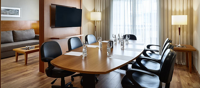 Meeting_Room_Sala_Monet_03_edited.jpg