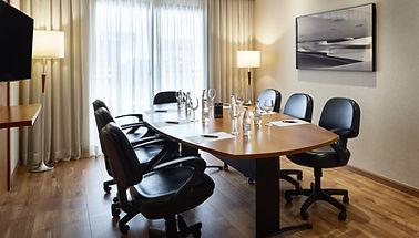 Meeting_Room_Sala_Monet_01_edited.jpg