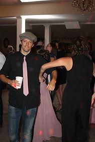 Mraz dancing.jpg