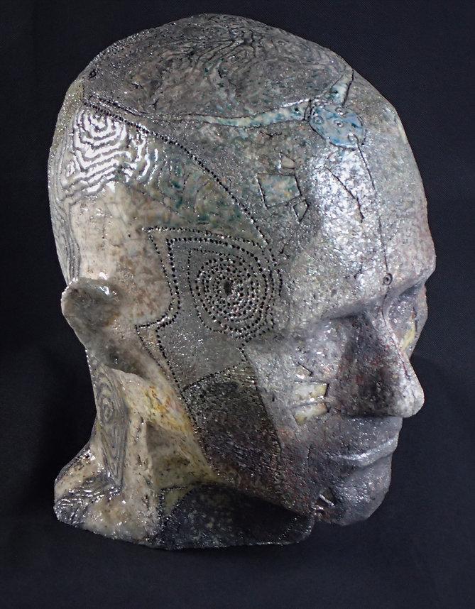 Head-III dessus quartD.JPG