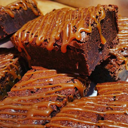 Salted Caramel Fudge Brownies _Kia's Cakes opens at 12pm tomorrow! _#thedietstartsmonday ;)