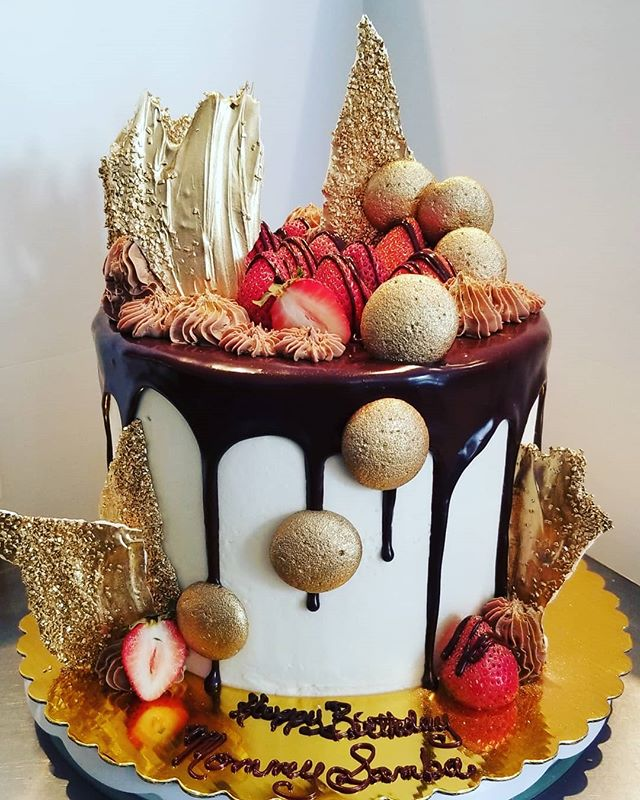 #dripcake #ediblegold #edibleart #specia