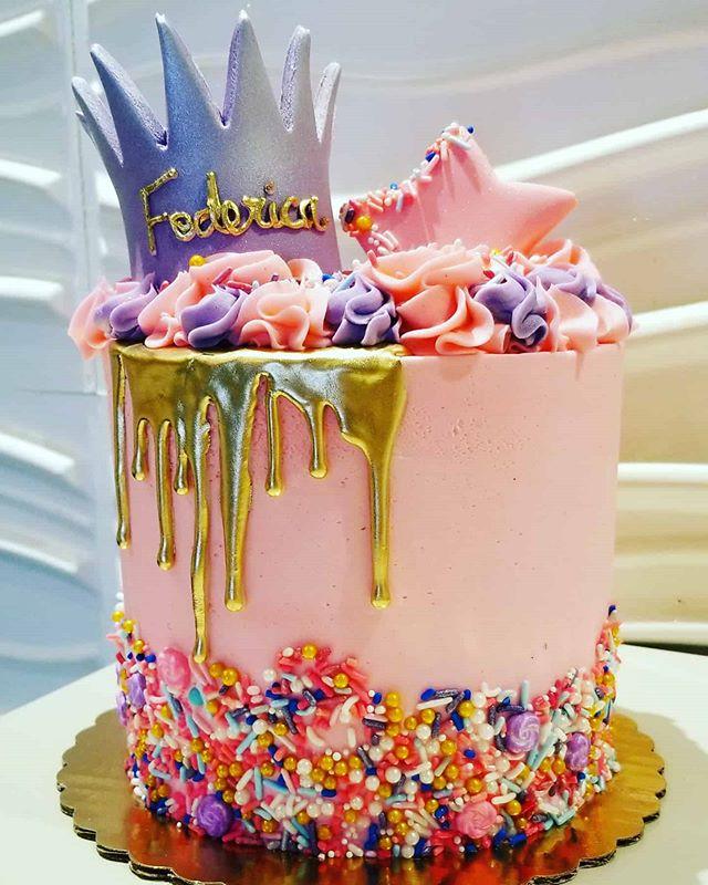 #dripcake #ediblegold #birthdaycake #edi