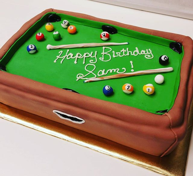 Pool Table cake!