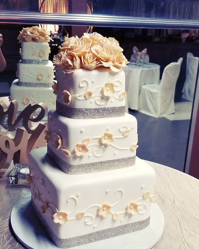 Fondant wedding cake with hand made fond