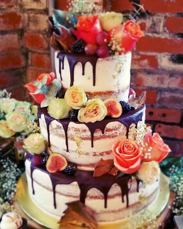 Rustic, semi naked wedding cake and cupc