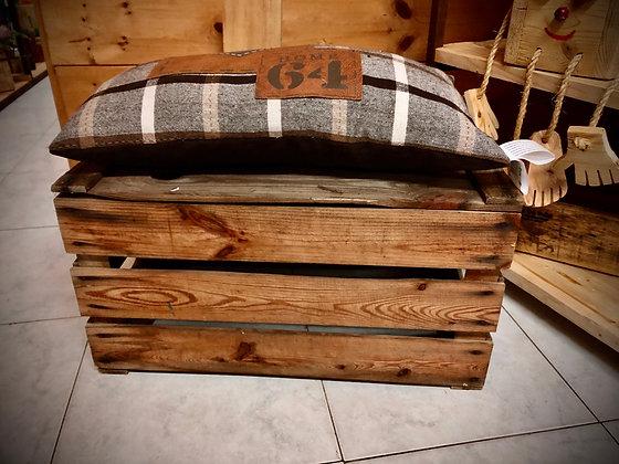 Pouf  vintage recuperata e cuscino
