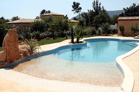 Votre piscine en béton dans le Var avec Prestige Piscine