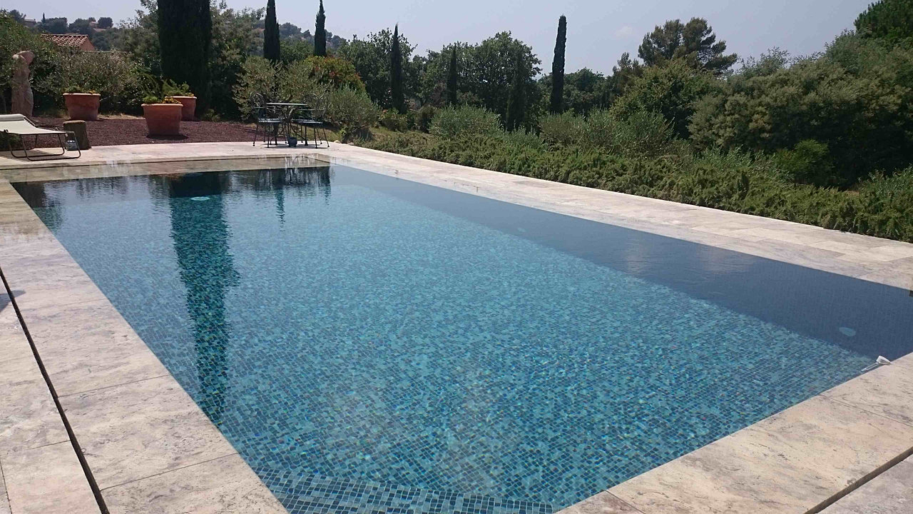 Prestige piscine artisan pisciniste spa var for Constructeur piscine tarif