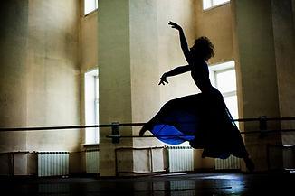 Tänzer in Blau