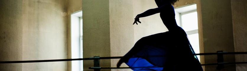 Dancer in bleu