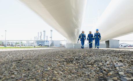 Passeggiando sotto i tubi del gas
