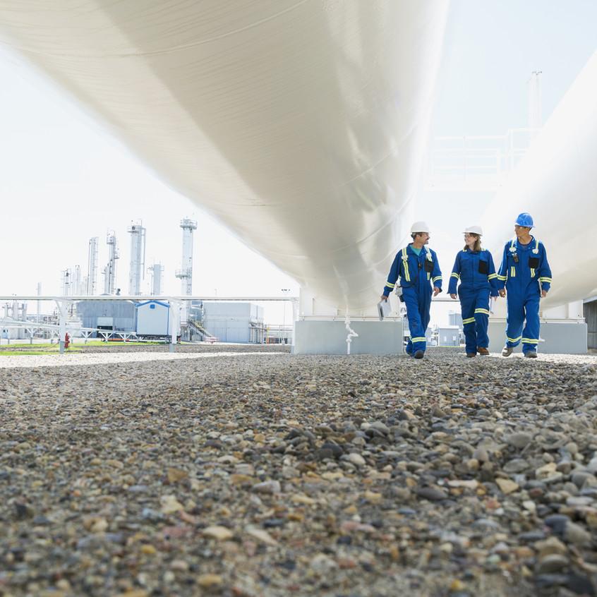 Caminhando sob Tubulações de gás