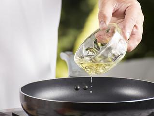 ¿Reutilizar el aceite puede generar cáncer?