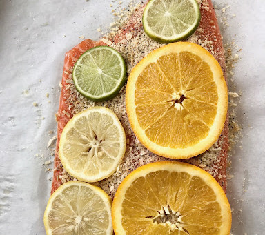Baked Salmon and Broccoli: Lots of Superfoods In One Meal