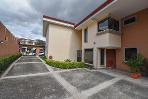 Alquilo Casa Altamonte