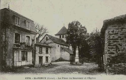 Place de l'église Saint-Pontien de Saint-Poncy