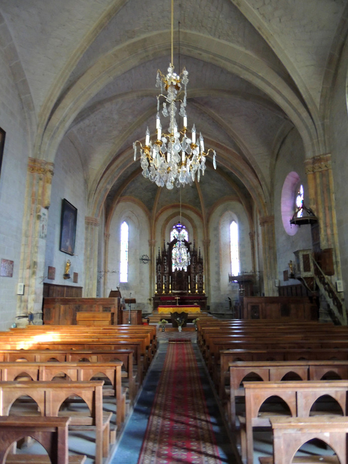 Villedieu Eglise la nef