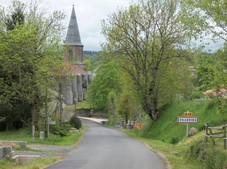 Villedieu Entrée du village