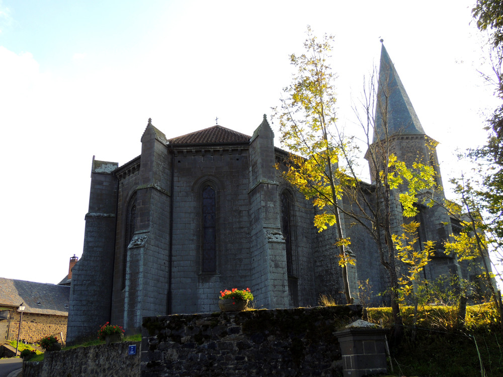 Villedieu église chevet